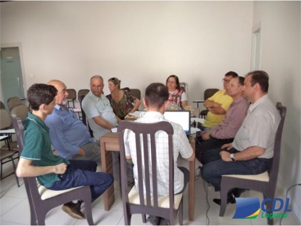 Reunião com o governo municipal debate temas administrativos