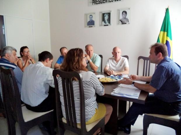 Nova diretoria da CDL realiza reunião para debater estratégias e ações