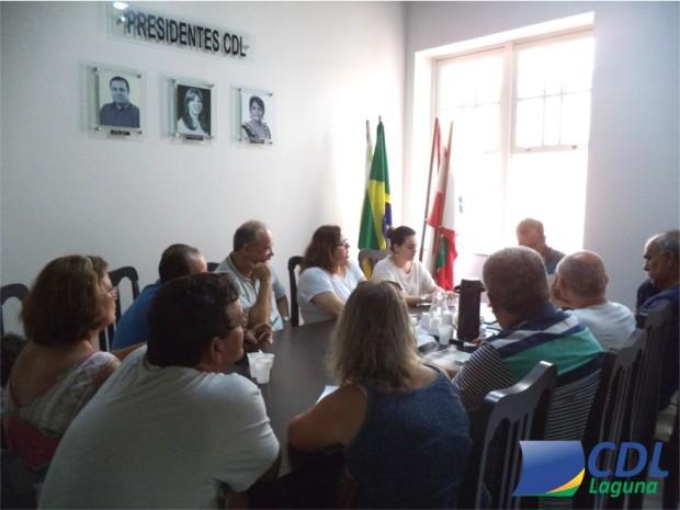 Diretores da CDL de Laguna debatem ações para o Sábado Legal