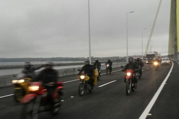Tráfego de veículos é liberado na Ponte Anita Garibaldi, em Laguna
